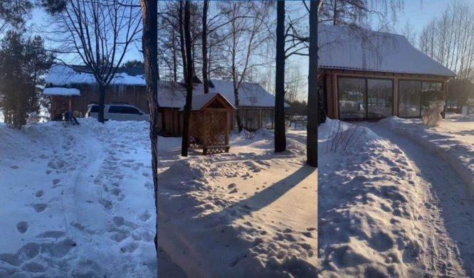 Оля Полякова показала, як напівоголена пробіглася по снігу і пірнула у замет