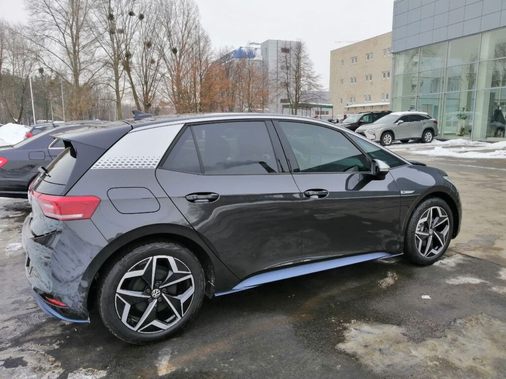 Электромобиль Volkswagen ID.3 появился в Украине