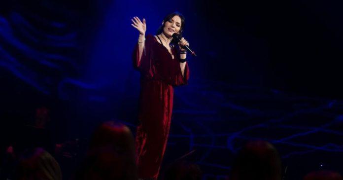 """Надія Мейхер вразила своїм виступом на """"Голосі країни-11"""" і потрапила в команду Тіни Кароль"""