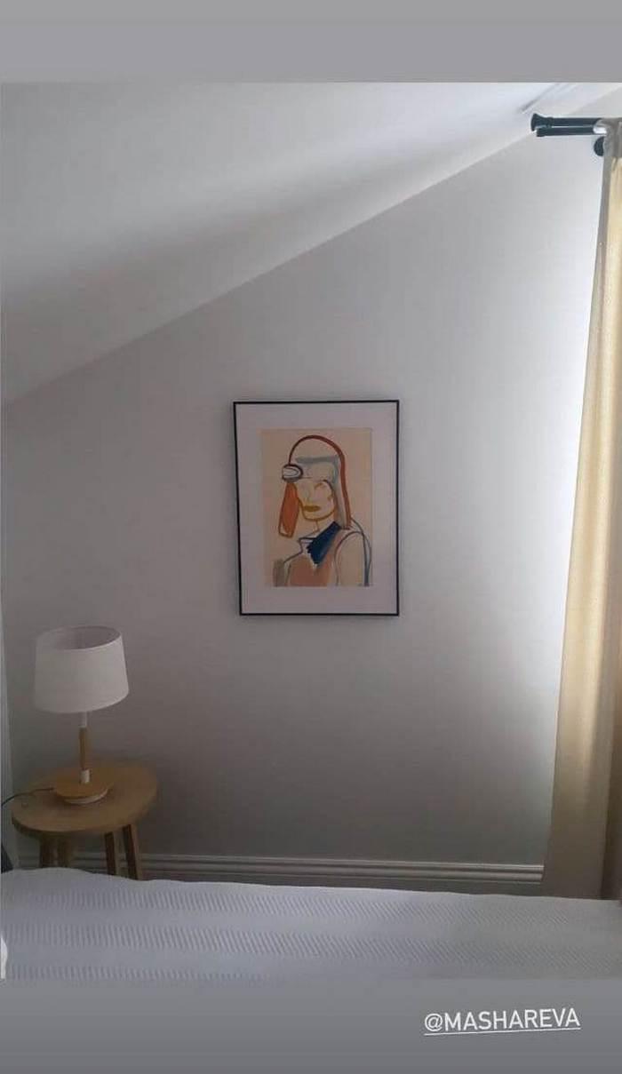 Катя Осадчая показала интерьер своей спальни