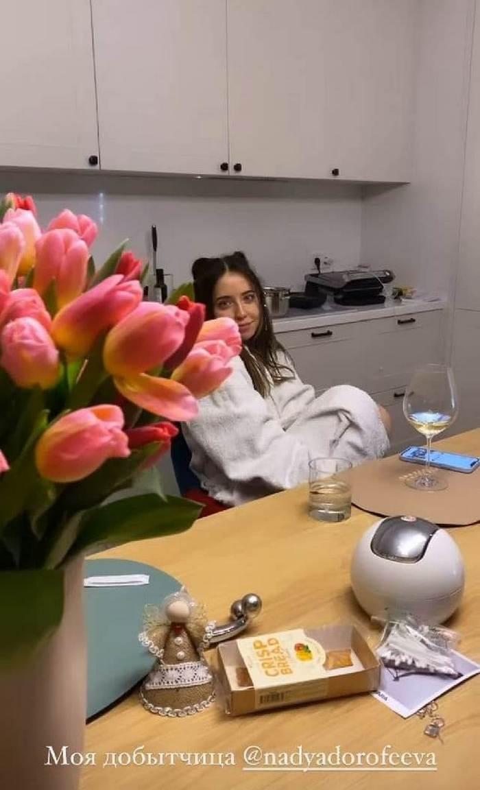 Надя Дорофєєва вперше виконала нові сольні пісні на приватній вечірці