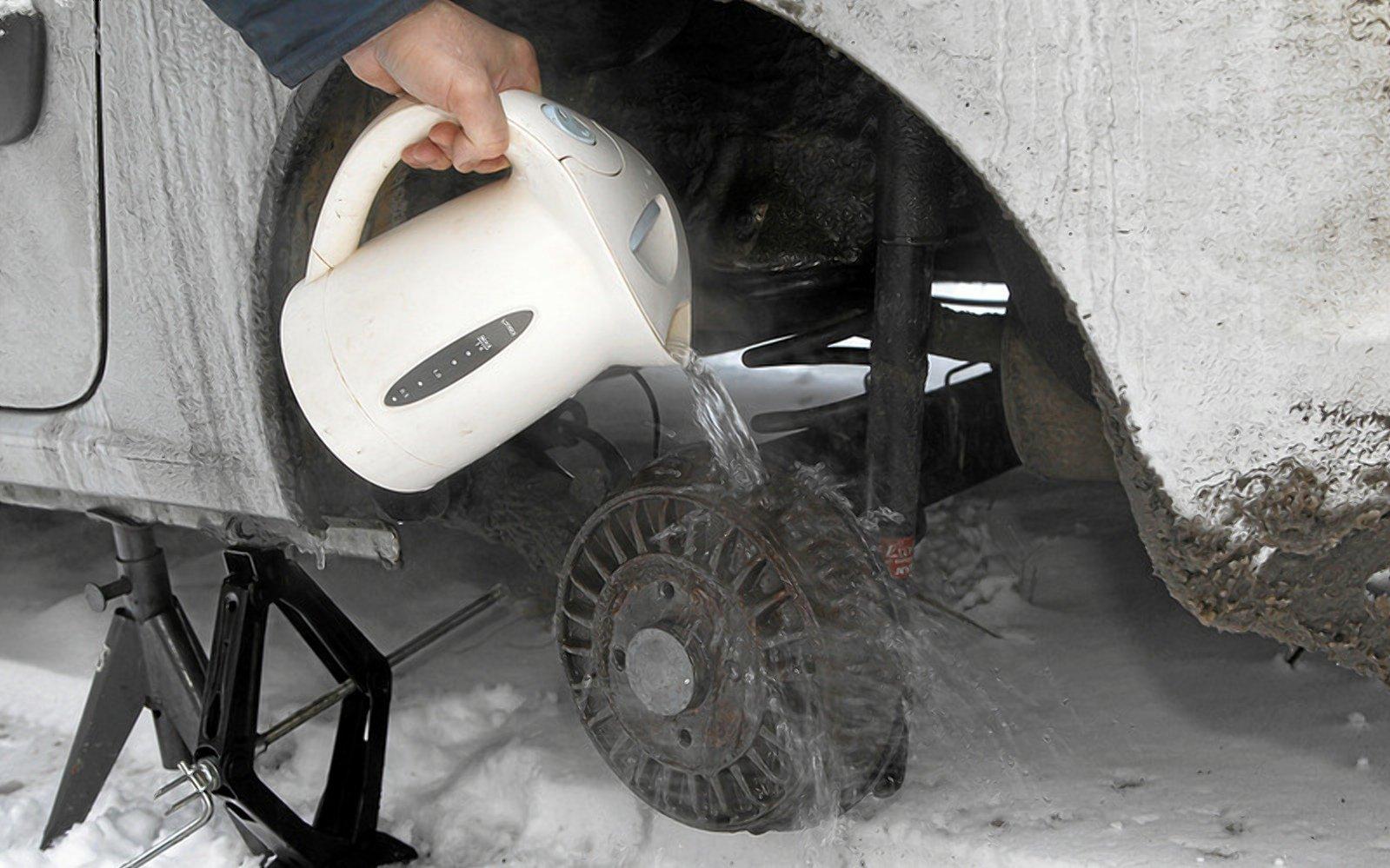 Примерзли гальма автомобіля - що робити?