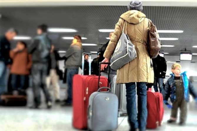Українських заробітчан можуть позбавити права на в'їзд до Євросоюзу
