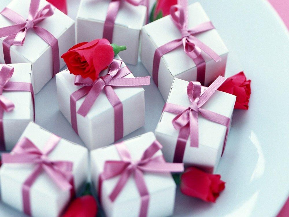Подарунки на 8 березня за знаком Зодіаку: від яких презентів жінки будуть в захваті