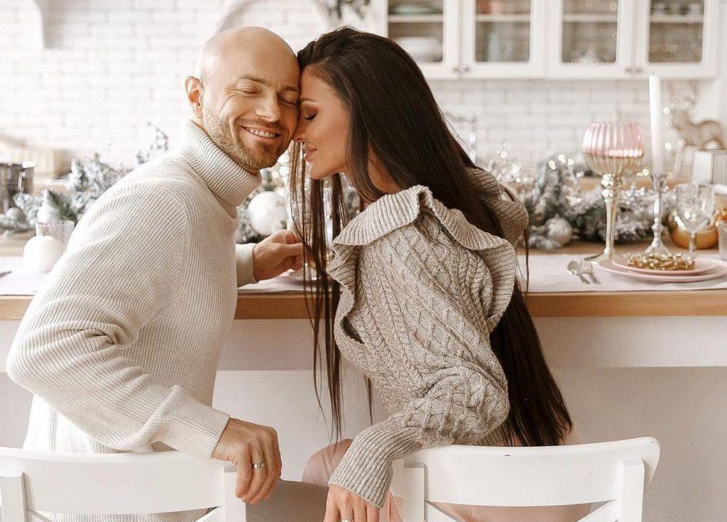 Влад Яма з дружиною розповіли про два місяці розставання після знайомства