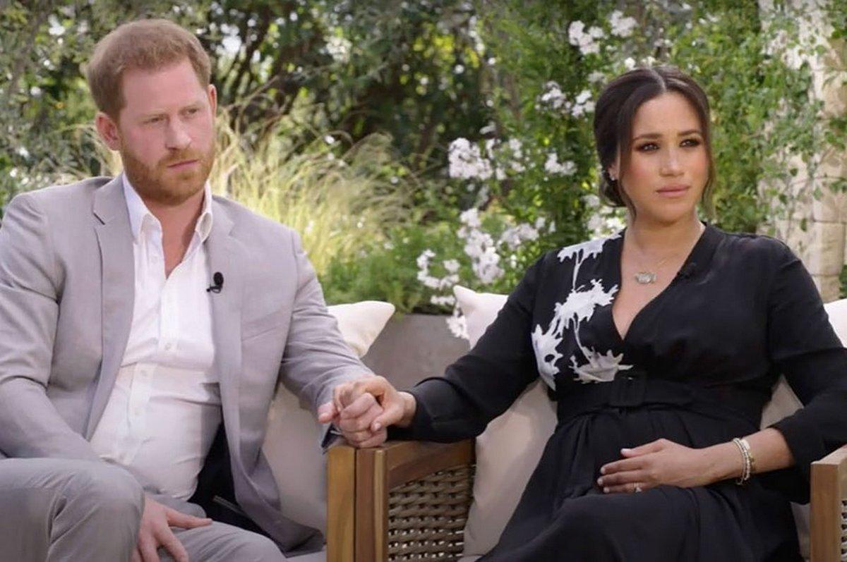 Смерть принца Філіпа несподівано возз'єднала сім'ю: Гаррі залишає Меган Маркл і повертається до Великобританії