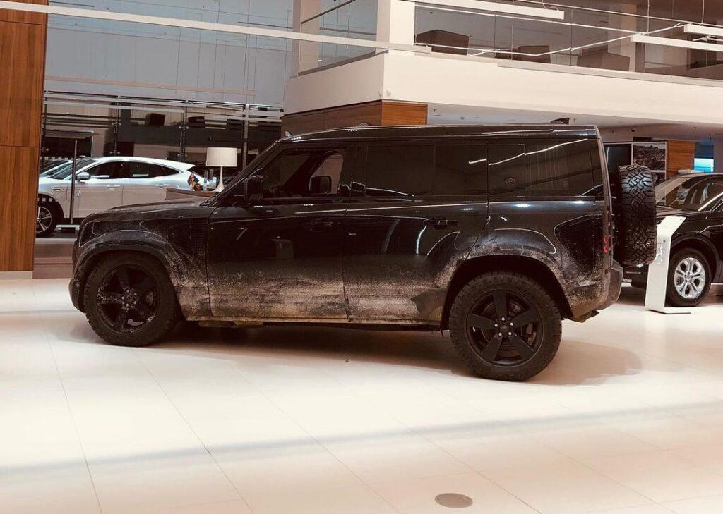 В Україну привезли новий автомобіль Джеймса Бонда