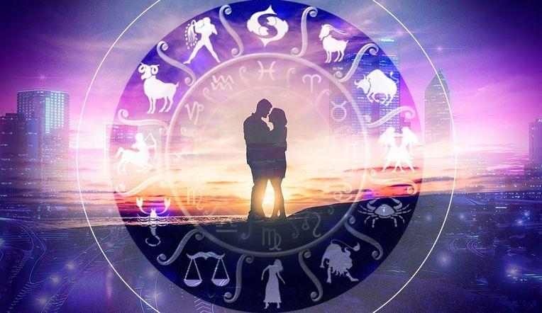 Астрологи назвали знаки Зодиака, которые 8 марта могут встретить свою любовь