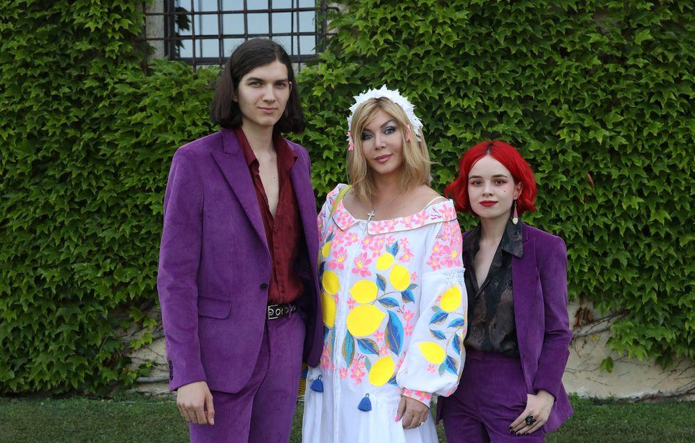 Сын Ирины Билык заявил о своей женитьбе на школьной любви