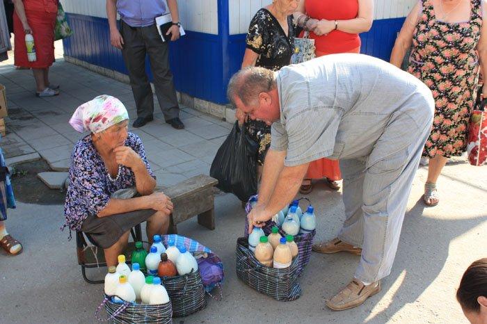 В Україні замість натурального продають фальсифіковане молоко