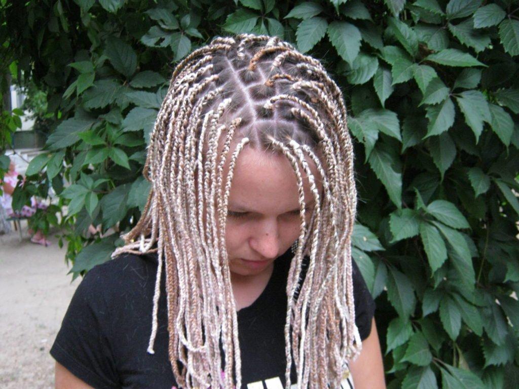 Зачіски, які завдають непоправної шкоди волоссю: топ-5