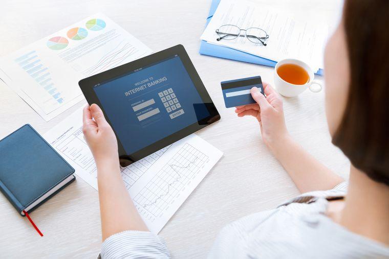 Банки зобов'язали надавати клієнту вичерпну інформацію щодо стану рахунку на його вимогу