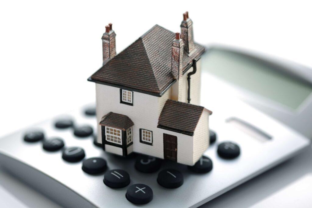 Українцям доведеться заплатити податок на житло: що загрожує неплатникам