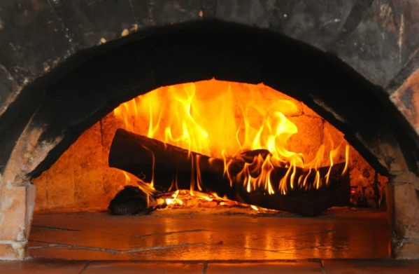 Кабмин предложил заменить газ дровами, чтобы сэкономить на отоплении - today.ua