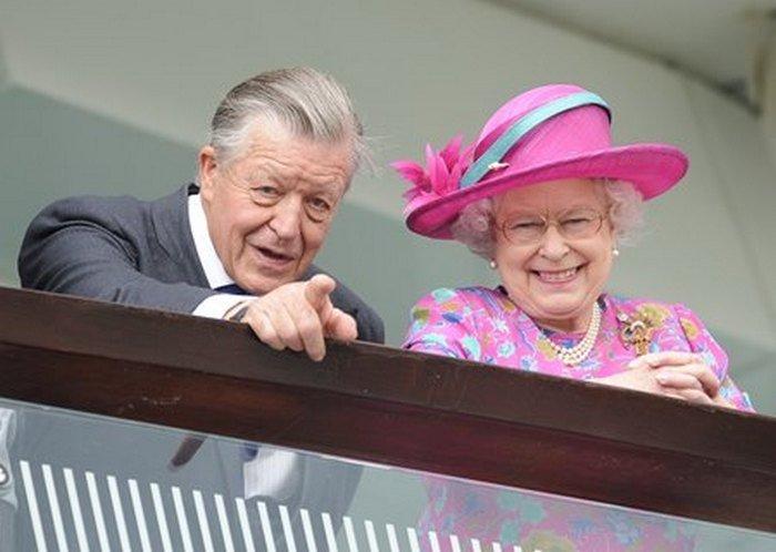 Помер близький друг Єлизавети II в день похорону її коханого чоловіка