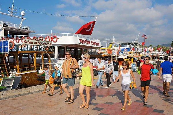 Туреччина закривається на жорсткий карантин: що загрожує українським туристам