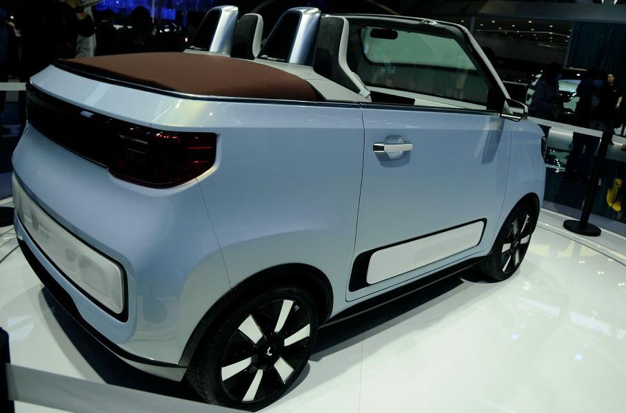 Китайский электромобиль за $4400 сделали еще лучше