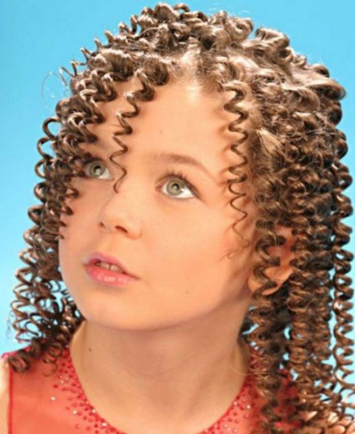 Аліна Гросу повторила культову зачіску зі свого дитинства
