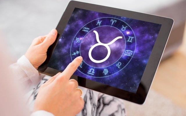Астрологи назвали три знаки Зодіаку, яким особливо пощастить на вихідних