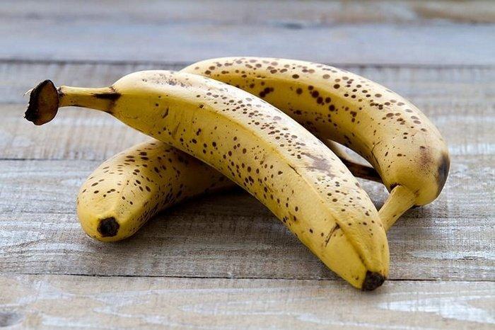 Вчені розповіли, які банани не можна давати дітям