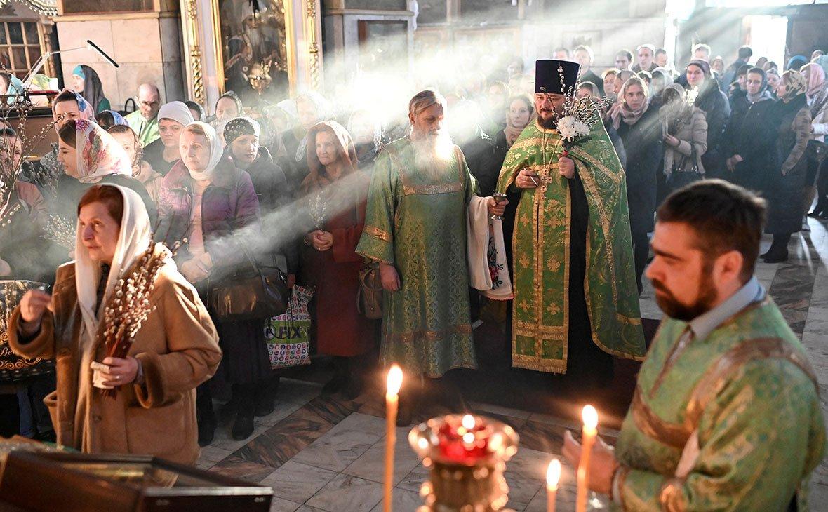 """На Великдень у """"червоних"""" зонах заборонять масові богослужіння в церквах: за порушення штрафуватимуть"""