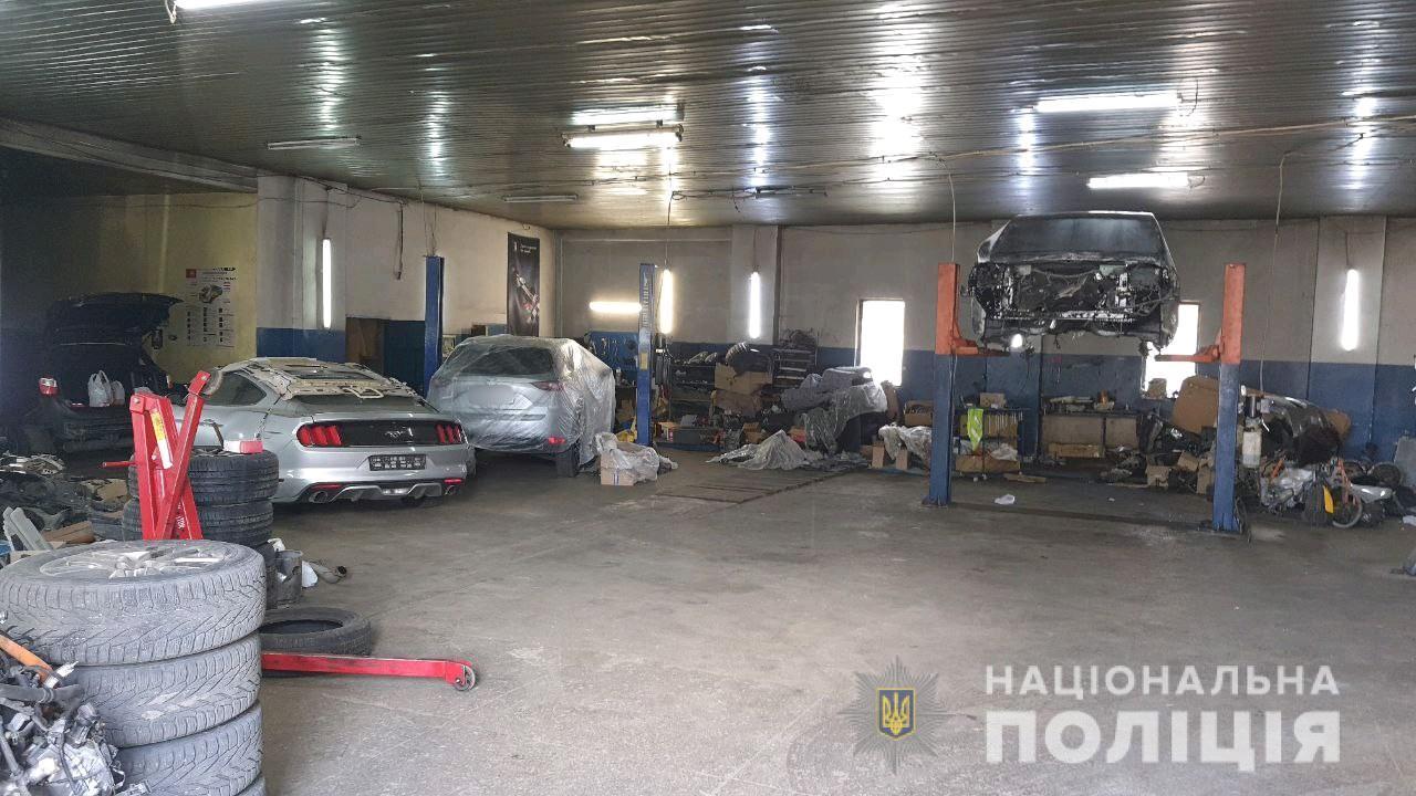 У Харкові ліквідували злочинну організацію автовикрадачів
