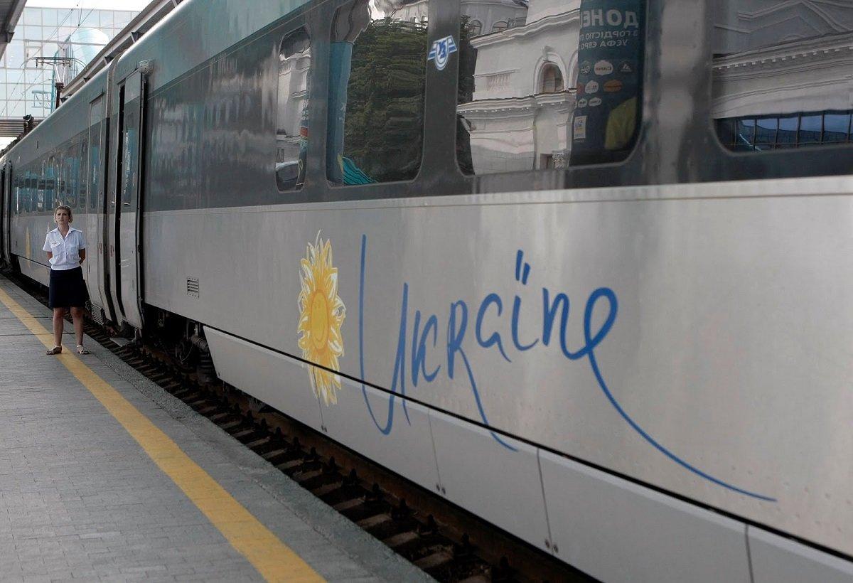 Укрзализныця запускает международные пассажирские перевозки: названы главные направления