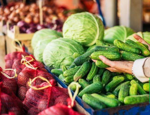 В Украине резко подорожали овощи на рынках: рекордсменами стали картофель, капуста и огурцы