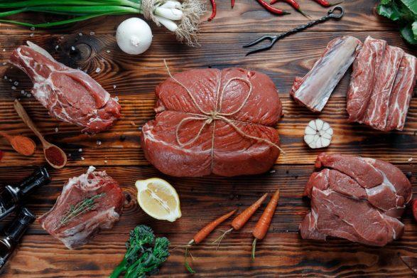 Фальсифицированное и просроченное мясо заполонило рынок Украины: как определить качество продукта - today.ua
