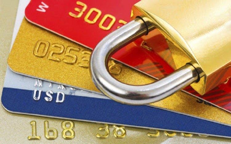 Банки будуть блокувати підозрілі рахунки українських громадян