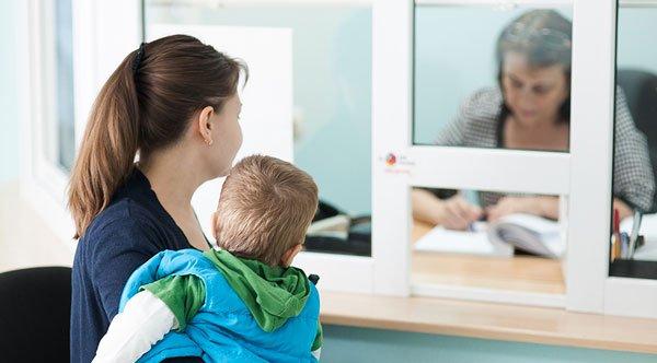 Матерям-одиначкам в Україні розширили перелік пільг
