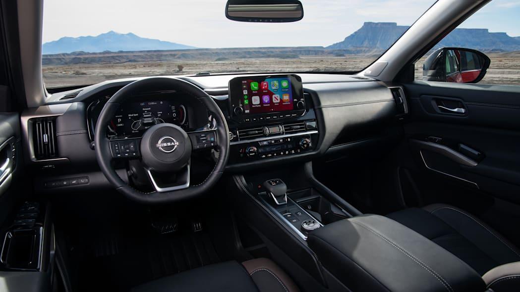 Nissan представив оновлений позашляховик Pathfinder