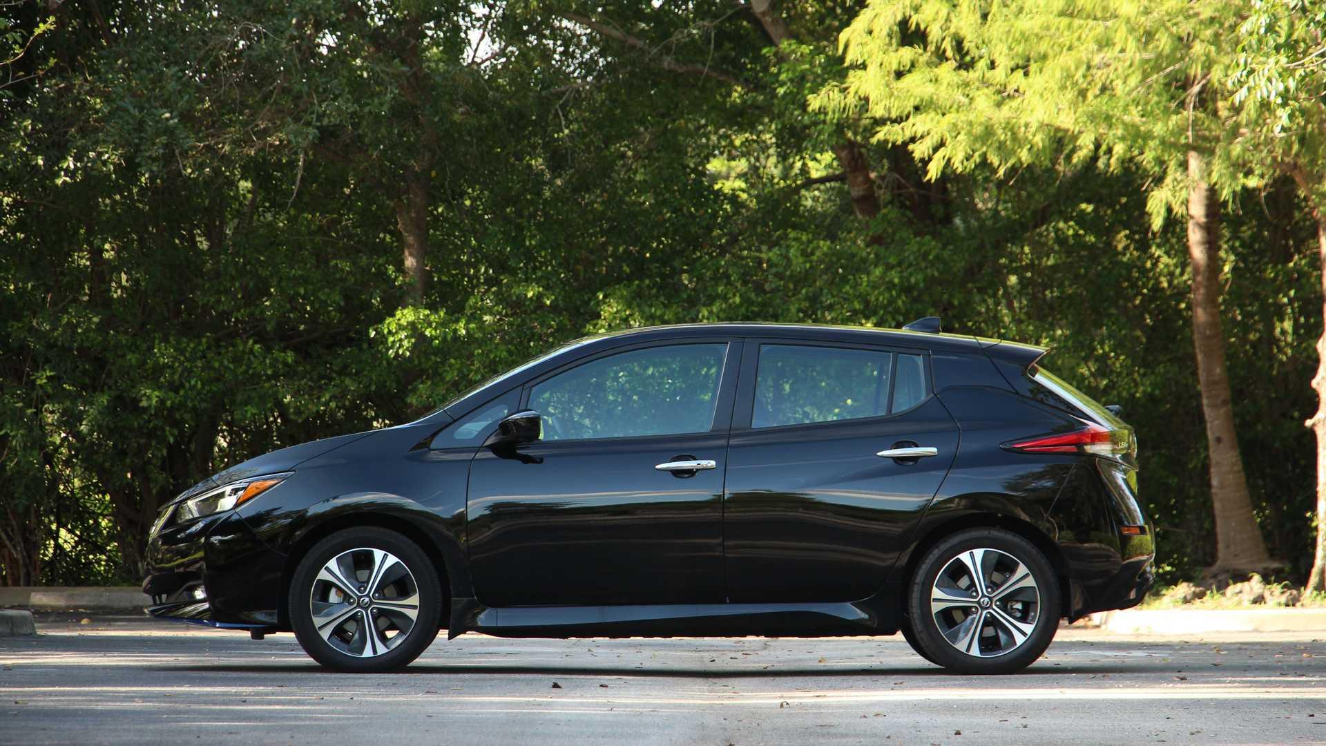 В Украине начались продажи Nissan Leaf