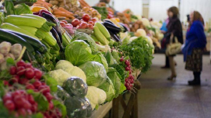 В Украине резко подорожали овощи на рынках: рекордсменами стали картофель, капуста и огурцы - today.ua