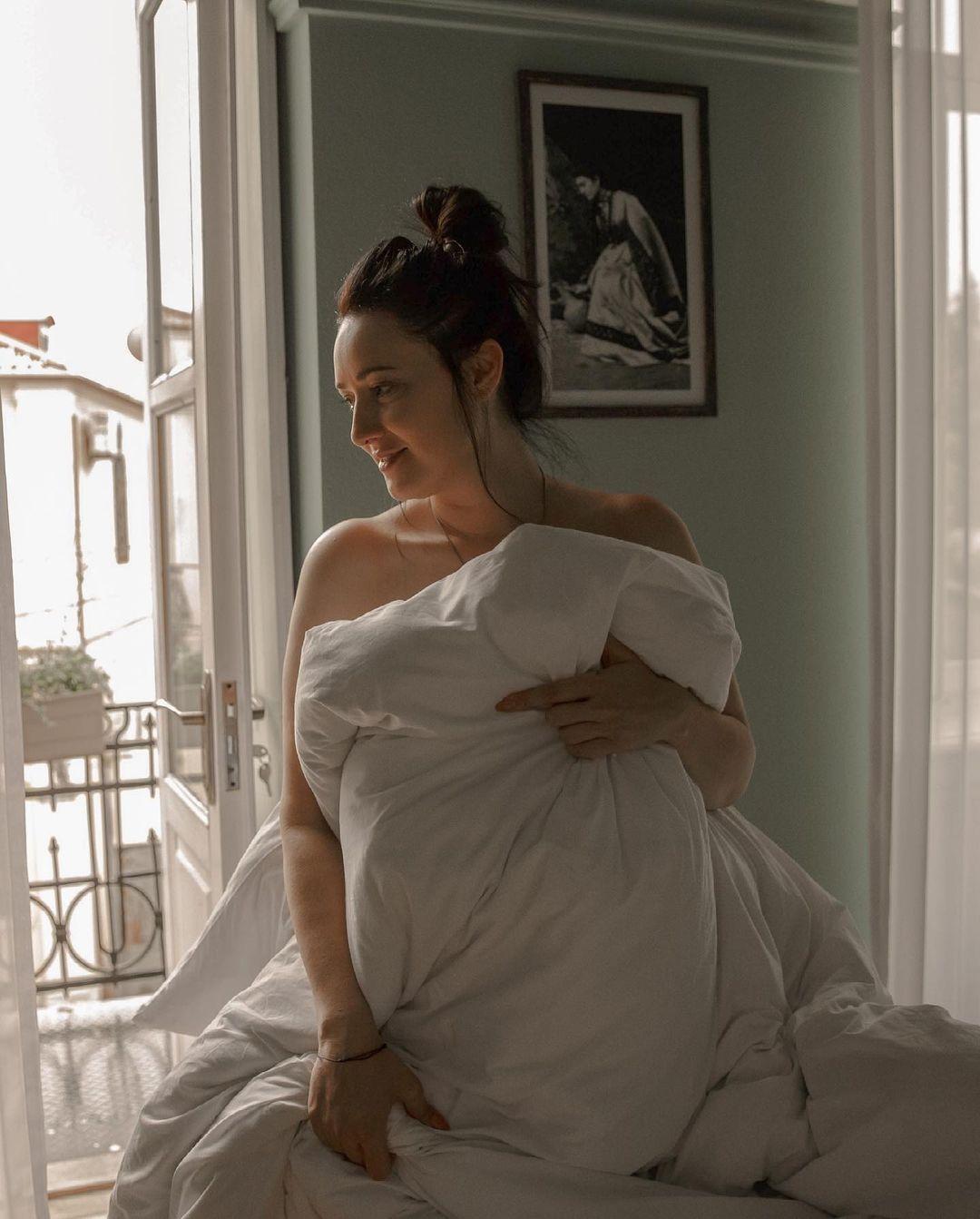 """""""Всі пройшли через моє ліжечко"""": Соломія Вітвіцька поділилася відвертим фото"""