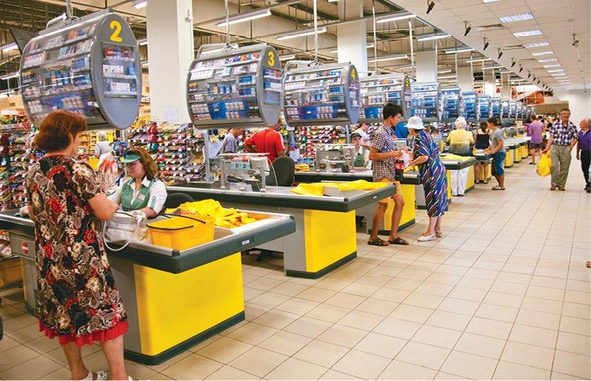 Обман покупців у магазинах: українцям розповіли, що робити, якщо ціна товару на касі вище, ніж на полиці