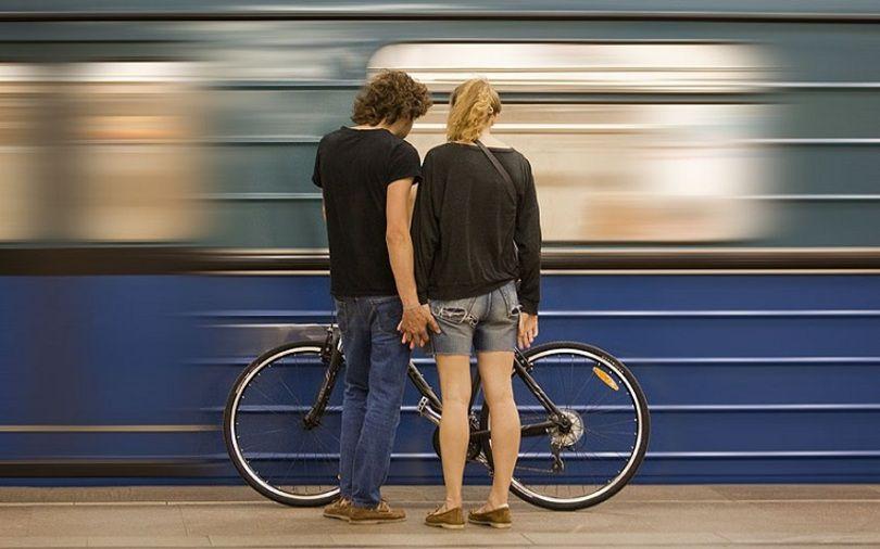 У київському метро змінили правила перевезення речей: що потрібно знати власникам моноколіс і самокатів