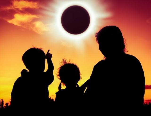 Українці зможуть спостерігати унікальне сонячне затемнення: де і о котрій годині розпочнеться