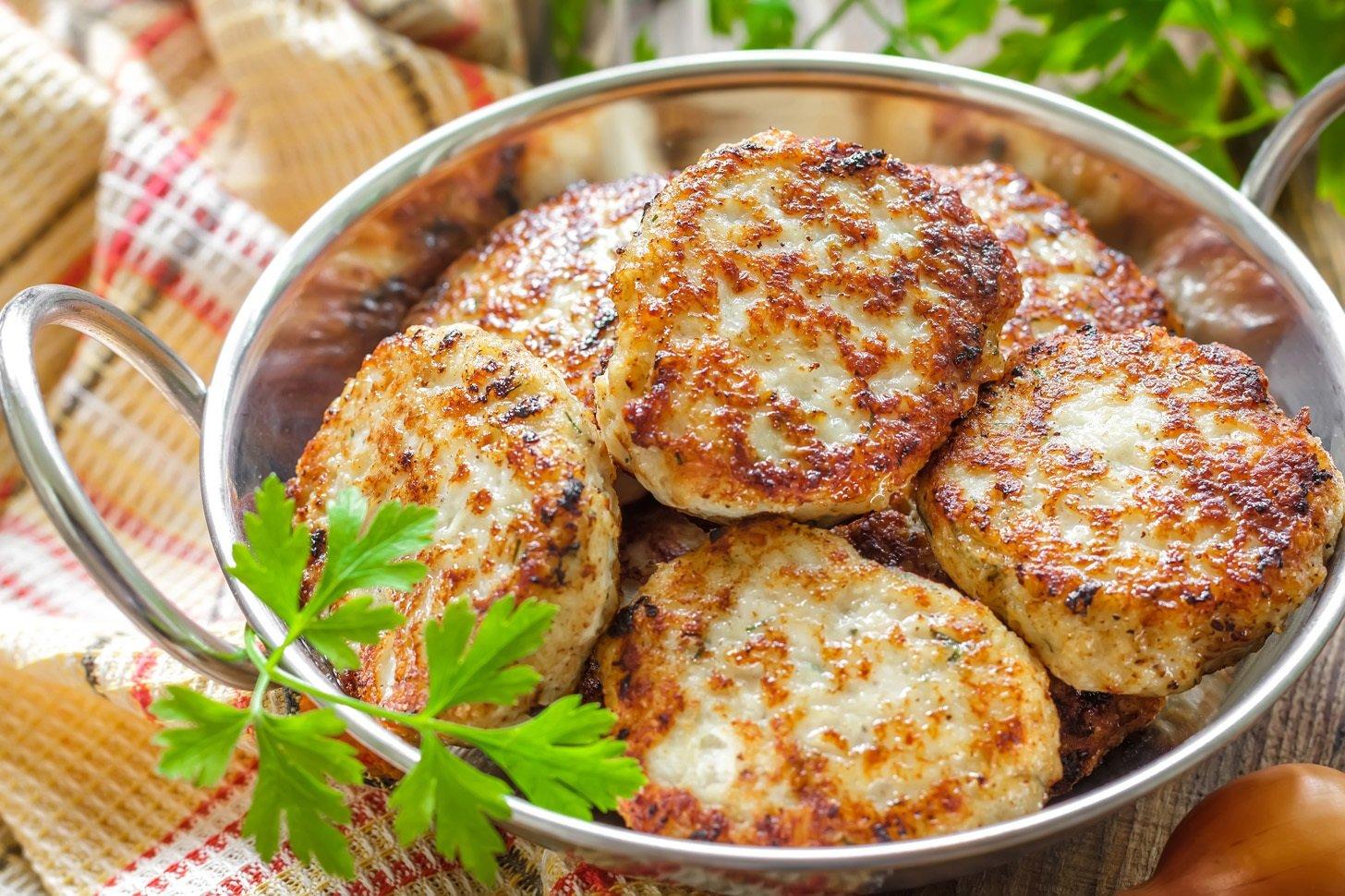 Найсмачніші курячі котлети: рецепт приготування соковитої і ніжної страви