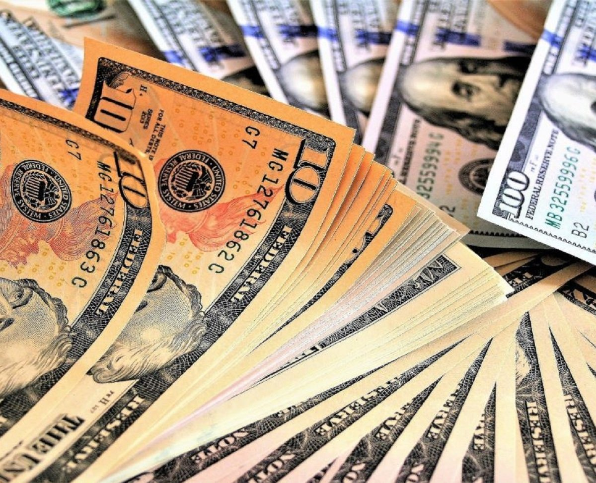 В Україні немає попиту на валюту: курс долара до кінця року кардинально зміниться