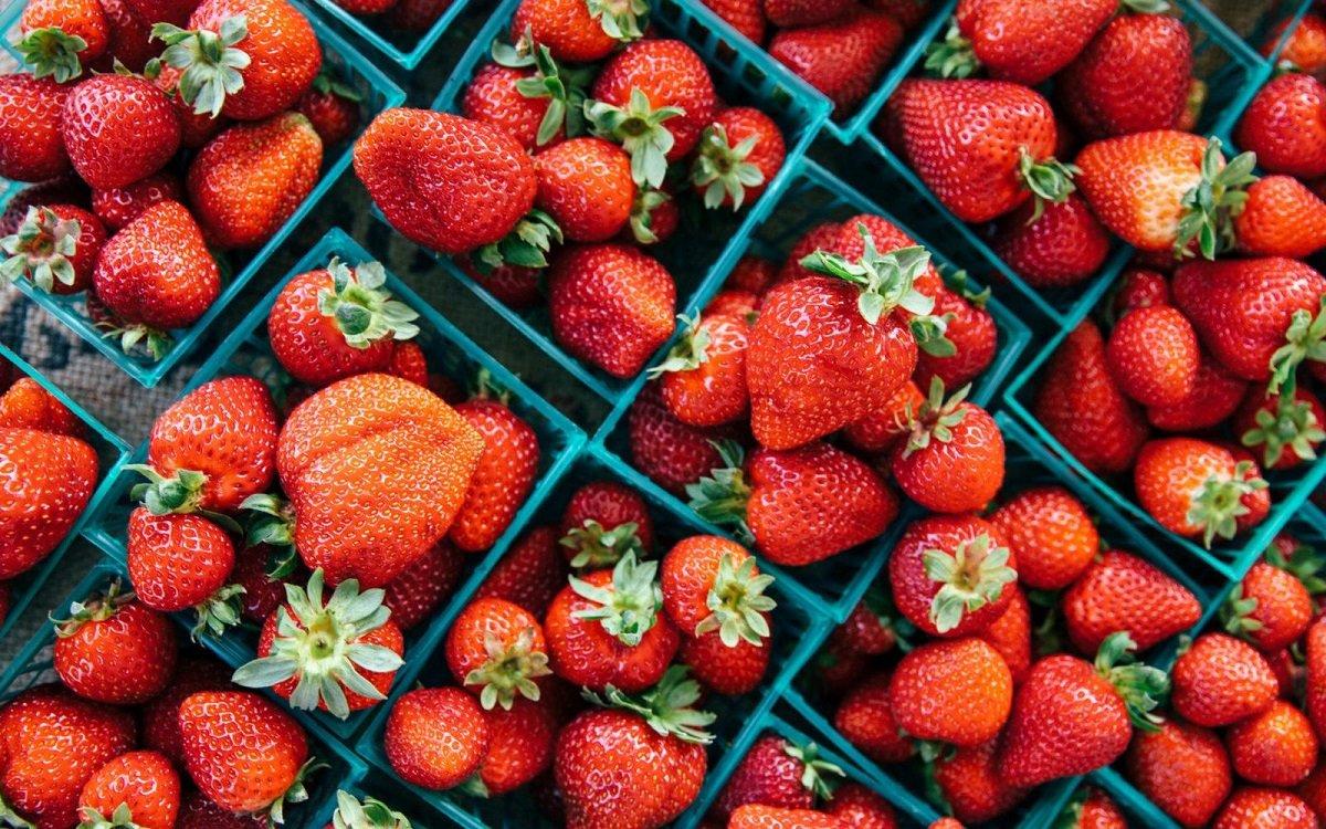 В Україні впали ціни на полуницю