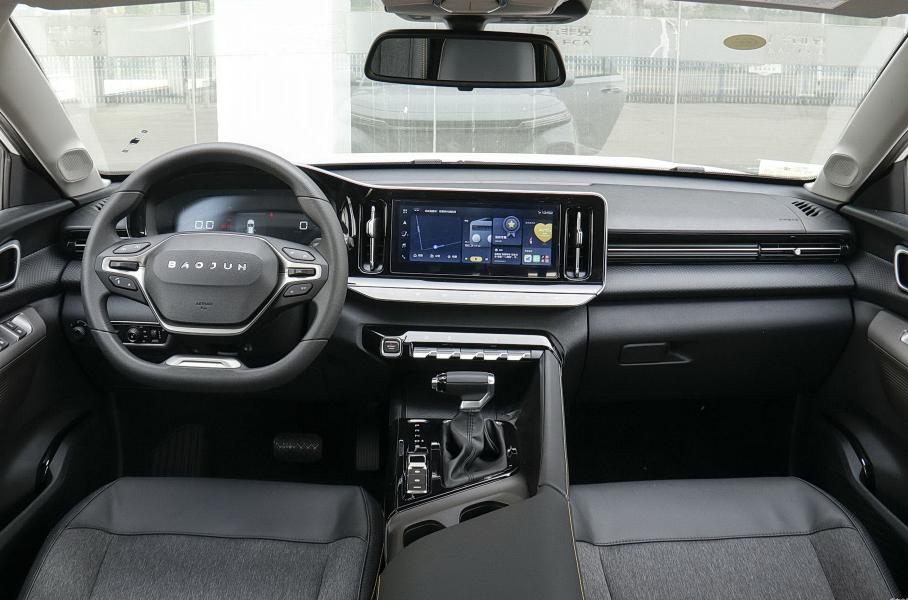 Китайцы выпустили современный универсал вдвое дешевле Skoda Octavia