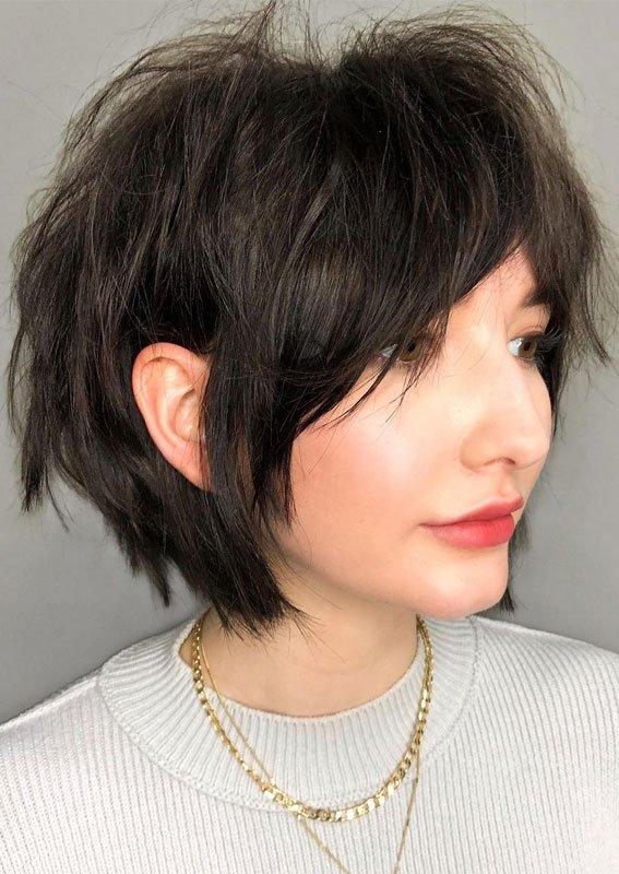 Наймодніша літня стрижка для кучерявого волосся