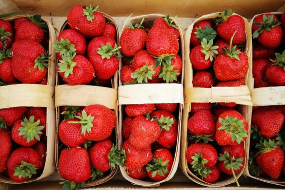В Украине фальсифицируют клубнику: как выбрать натуральную ягоду по трем признакам   - today.ua