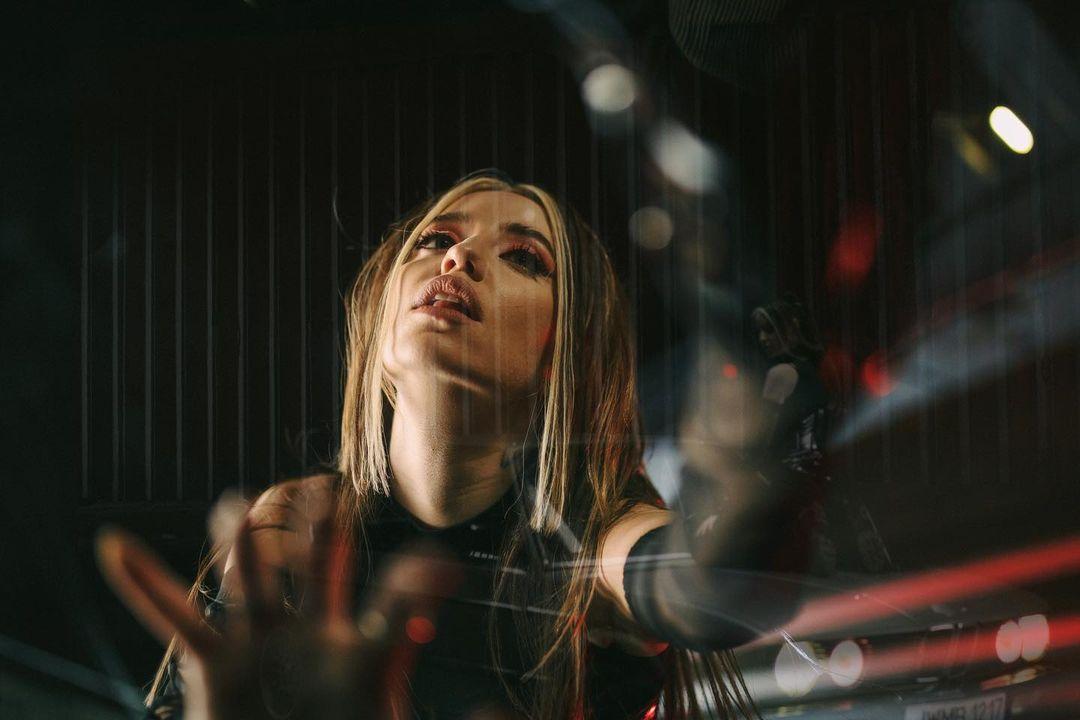 Надя Дорофєєва здивувала кардинальною зміною іміджу для нового кліпу