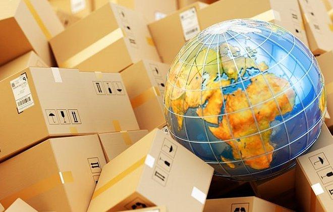 В Україні хочуть збільшити податок на посилки з-за кордону