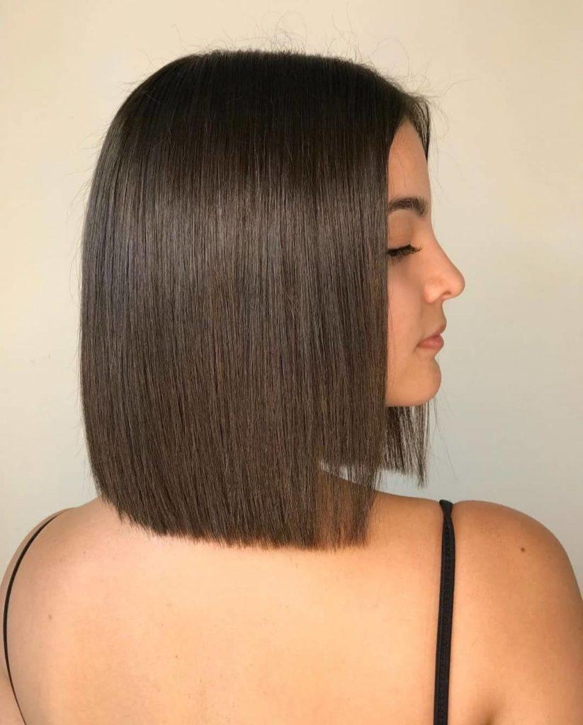 Жіноча стрижка блант боб стала найактуальнішою зачіскою літа 2021