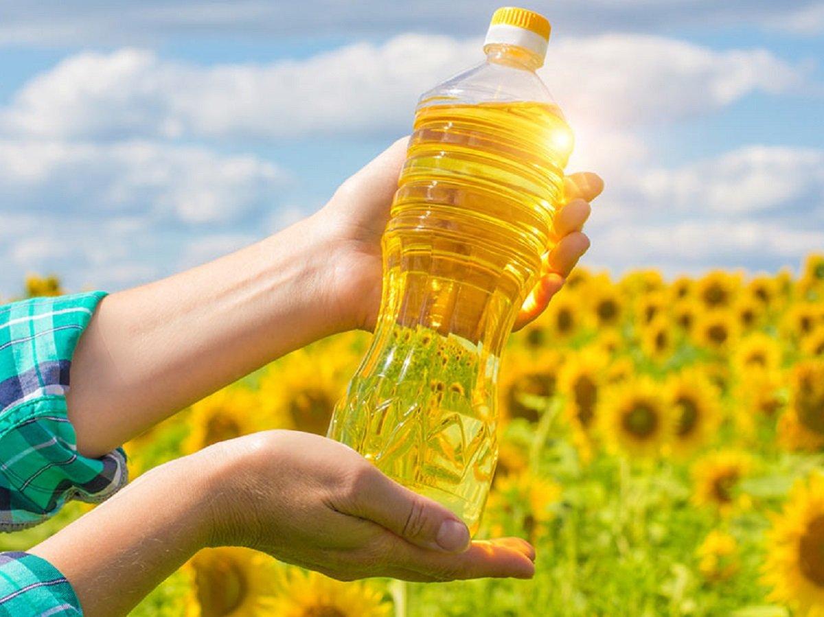 Соняшникова олія в Україні подорожчає до 100 гривень за літр