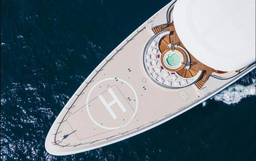 Дженніфер Лопес повеселилася на яхті Ріната Ахметова: фото розкішного будинку на воді