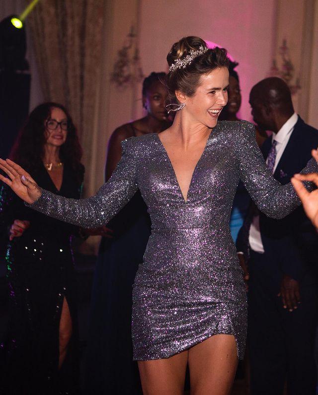 Элина Свитолина показала свое второе свадебное платье с эффектным разрезом